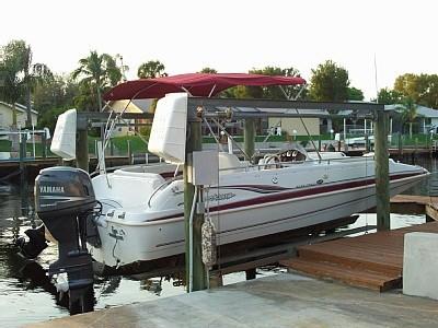 Bootssteg an einem Ferienhaus in Florida